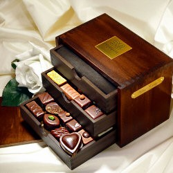 Chocolat-chest of chocolates
