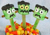 Halloween party favor Frankenstein marshmallow pop