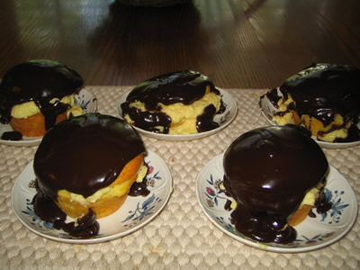 Boston Cream Pie Cupcakes
