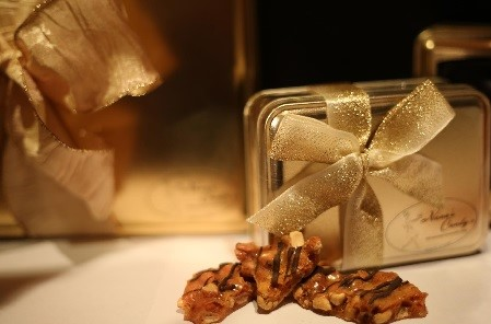 chocolate drizzled peanut brittle